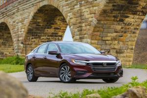10 mẫu ô tô an toàn nhất thế giới năm 2020, Camry và Mazda tiến bộ bất ngờ