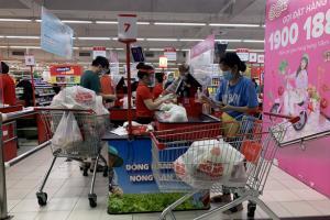 Người dân quận 7 mừng rỡ đi siêu thị, quán ăn liên tục chốt đơn qua app