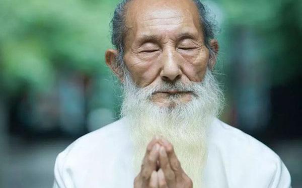 Hầu hết những người sống lâu trăm tuổi đều duy trì thói quen này, bởi đó chính là liều thuốc trường thọ quý giá nhất