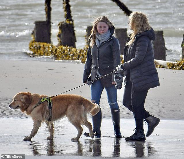 Hình ảnh hiếm hoi của sao phim Titanic Kate Winslet bên con gái 21 tuổi